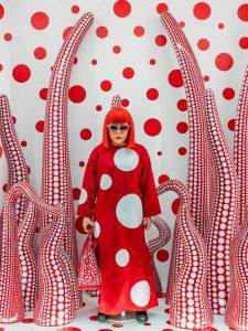 cropped-kusama-yayoi-_louis-vuitton-shop-window-display-with-tentacles_2012-2015_1500x1386.jpg